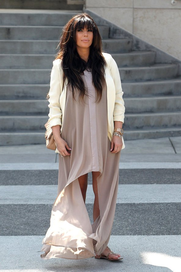 kim-bizarre-dress-billowing